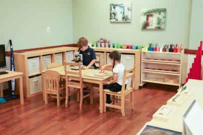 montessori children learning
